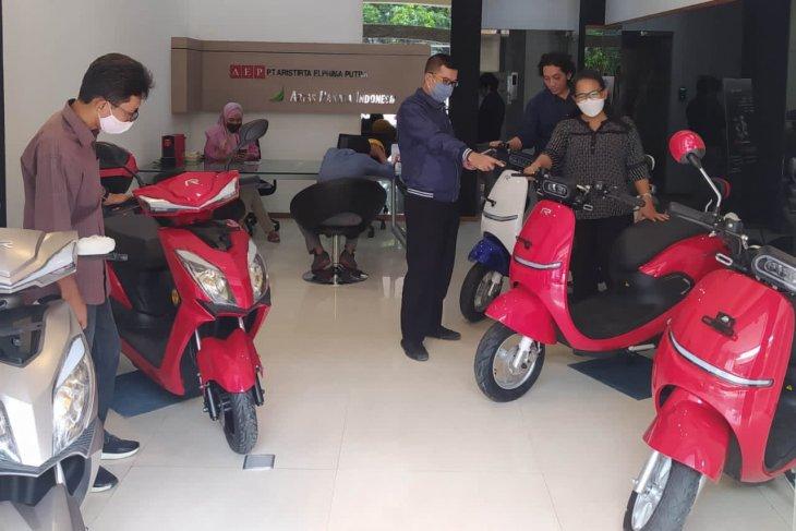 Rakata merilis dua sepeda motor listrik, harga mulai Rp15,6 juta