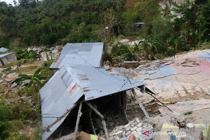 PUPR bangun rumah terdampak Seroja di Kota Kupang thumbnail