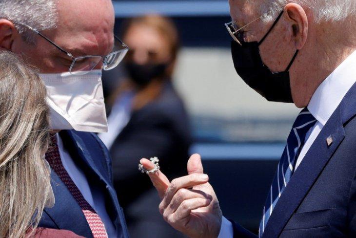 CDC: Penerima vaksin lengkap tidak perlu pakai masker di luar ruangan thumbnail