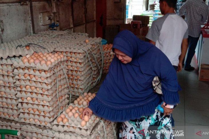 Dinas Pangan Aceh pastikan stok pangan cukup jelang Idul Fitri thumbnail