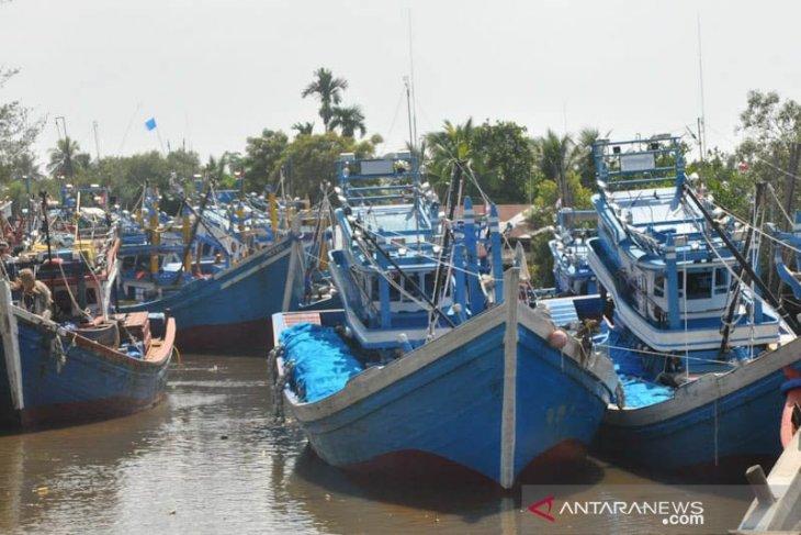 Ribuan nelayan Aceh Timur tidak melaut thumbnail