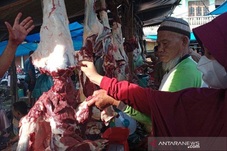 Meugang Idul Fitri di Subulussalam, harga daging Rp180 ribu per kilogram thumbnail