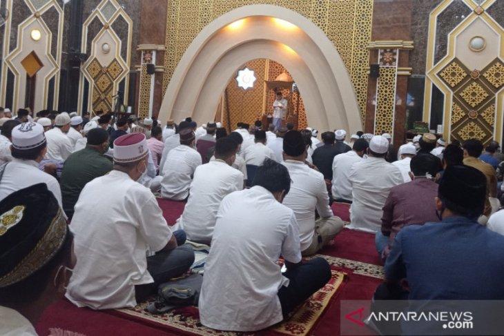 Sebelum wafat ustadz Tengku Zul dijadwalkan khatib shalat id thumbnail