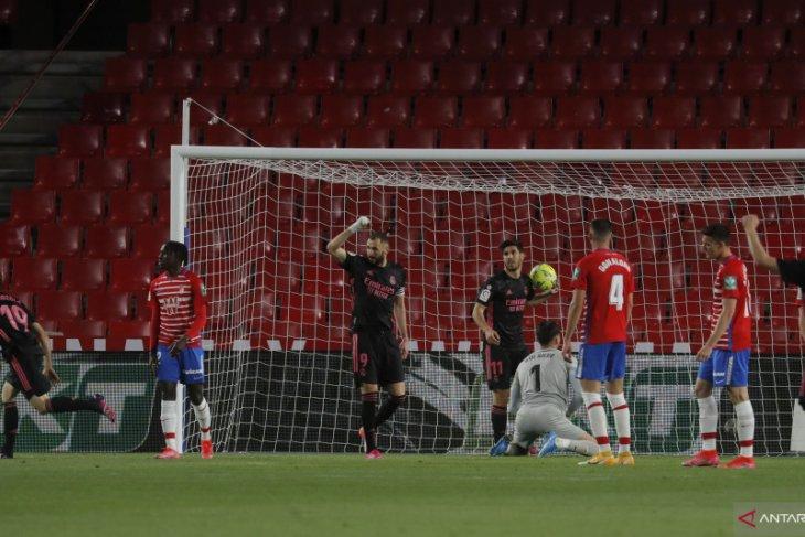 Liga Spanyol, Gasak Granada 4-1 Real Madrid tempel Atletico dalam perburuan gelar thumbnail