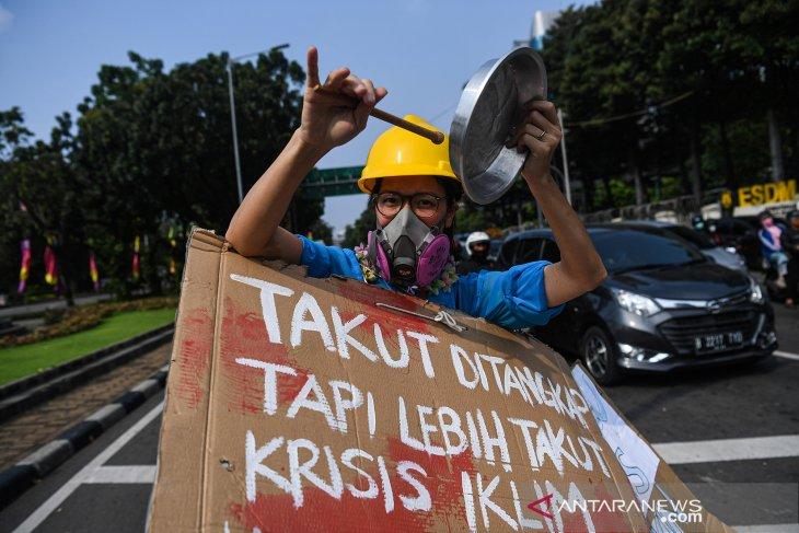 Aksi memperingati Hari Lingkungan Hidup Sedunia