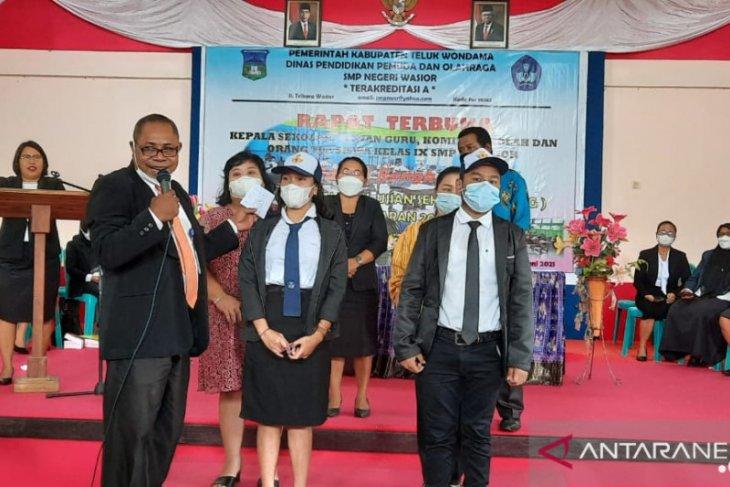 Dinas Pendidikan Wondama meragukan lulusan SD dan SMP dimasa COVID-19