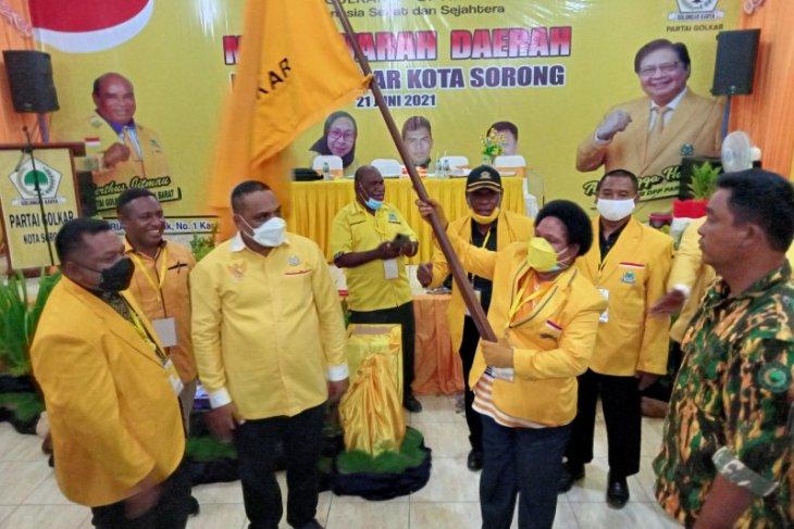Petronela Kambuaya jabat ketua DPD Golkar kota Sorong