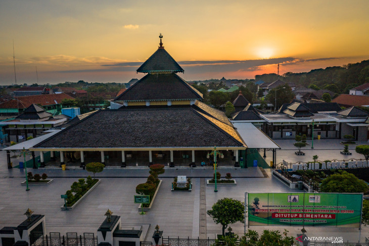 Penutupan sementara kompleks Masjid Agung Demak