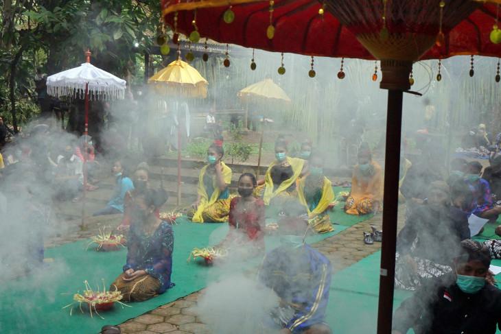 Tradisi Ulur Ulur Telaga Buret Tulungagung 09072021 ds 3 1