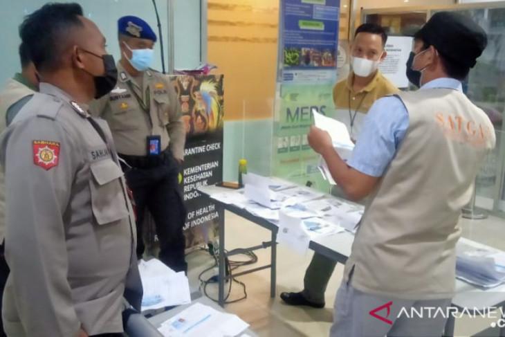37 penumpang tiba Bandara kota Sorong tanpa dokumen perjalanan lengkap