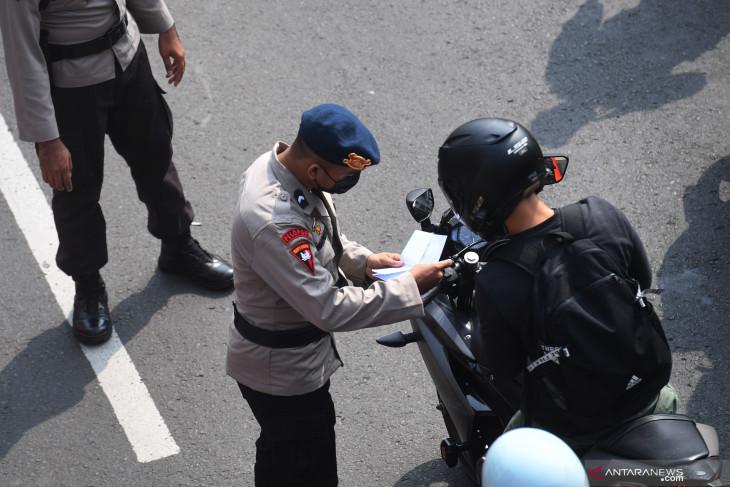 Polda Metro jaya genapkan penyekatan jadi 100 titik PPKM Darurat di Jakarta Raya