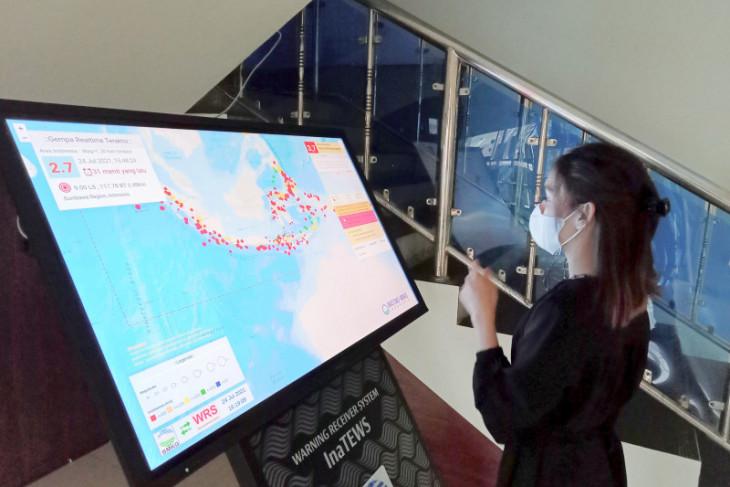 Pemerintah Kota Sorong dapat bantuan alat informasi gempa WRS