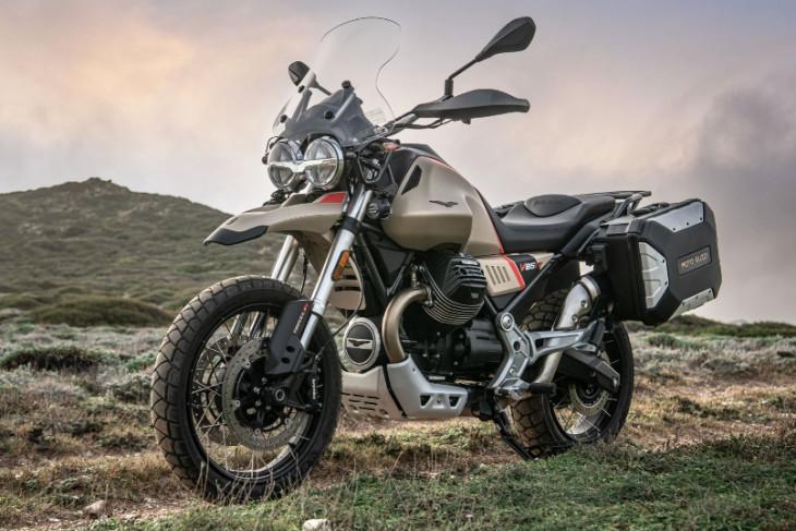 2.Moto Guzzi V85 TT Travel Sabbia Namib menjadi teman untuk menjelajahi tempat tempat baru yang memicu adrenalin copy 962x639 01 - SatuPos.com