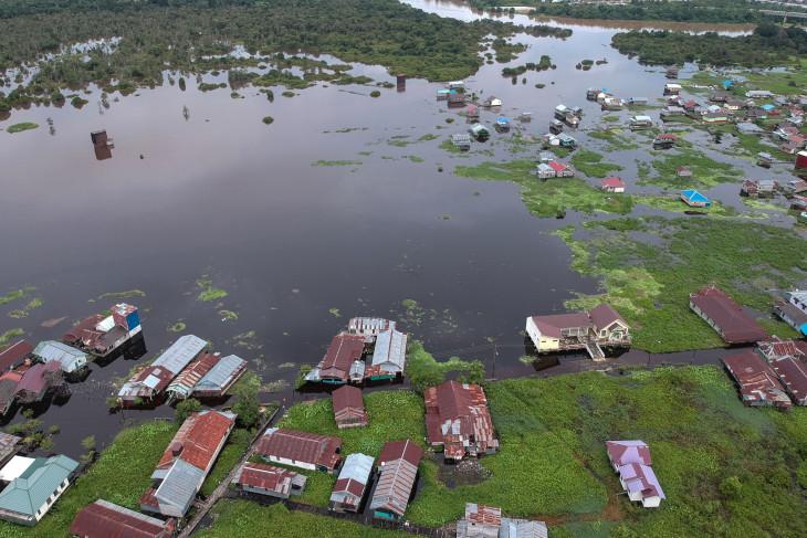 Dampak banjir luapan Sungai Kahayan di Palangkaraya