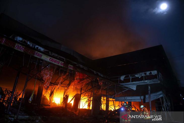Kebakaran swalayan di Cilandak Jakarta Selatan