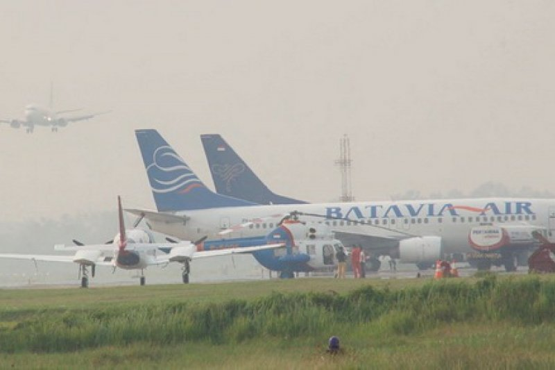 Akibat kabut asap, pesawat gagal mendarat di Bandara Pangsuma