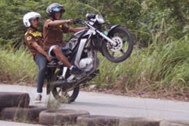 Balap Motor - 129 Pemula Adu Nyali Dalam  ''Drag Bike'' Karimun