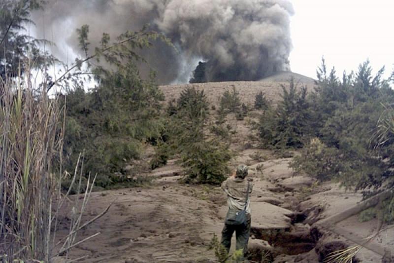 Gunung Anak Krakatau alami kegempaan tremor menerus, kata PVMBG