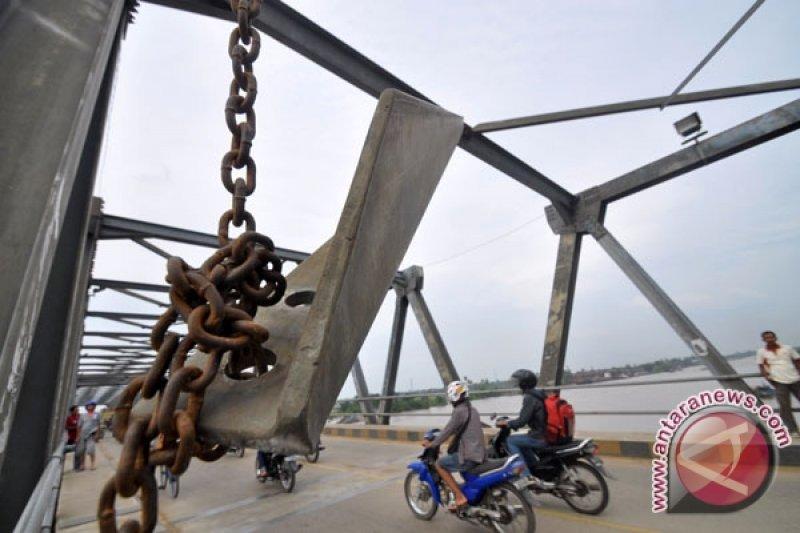 Jembatan Kapuas II ditutup ada pemasangan ikatan angin
