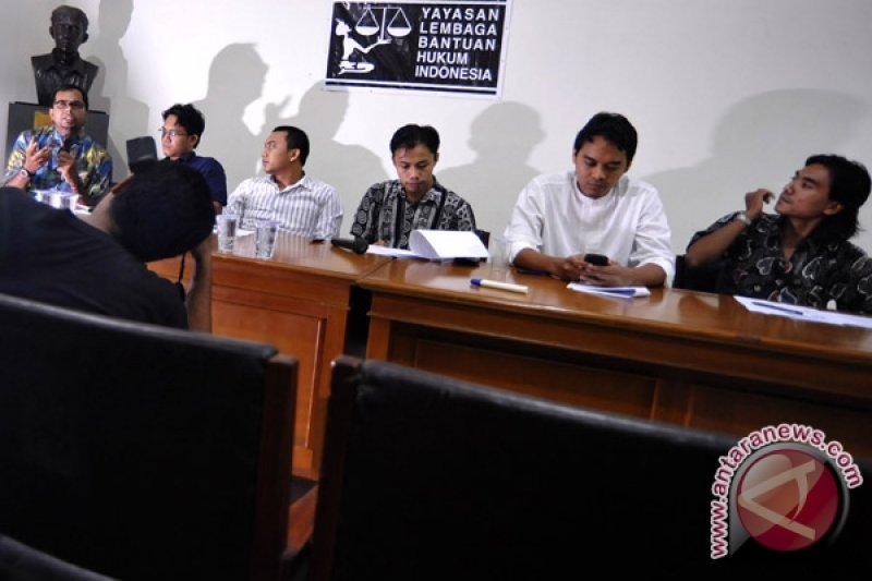 MK diminta prioritaskan gugatan syarat mantan terpidana korupsi