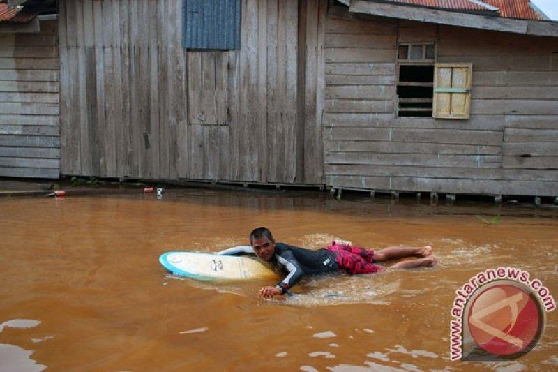 Gelombang tinggi di Riau bukan pengaruh