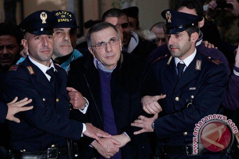 Militan Italia Battisti ditangkap di Bolivia setelah kabur dari penjara tahun 1981