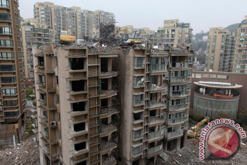 Empat anak tewas tertimbun tanah galian di China