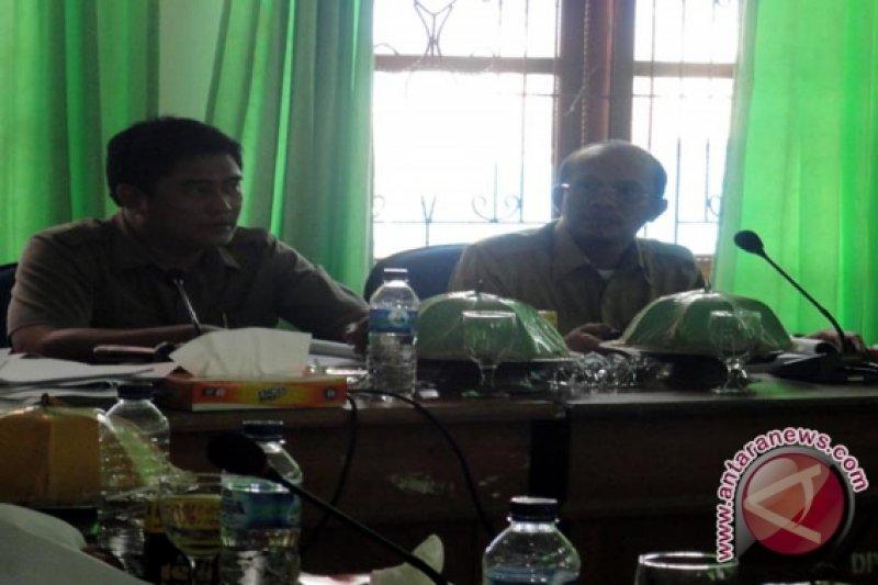"DPRD Bombana Bahas RAPBD 2012 Secara ""Marathon"""