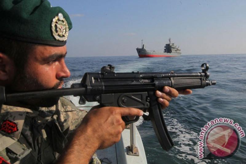 Iran luncurkan rudal dari kapal selam