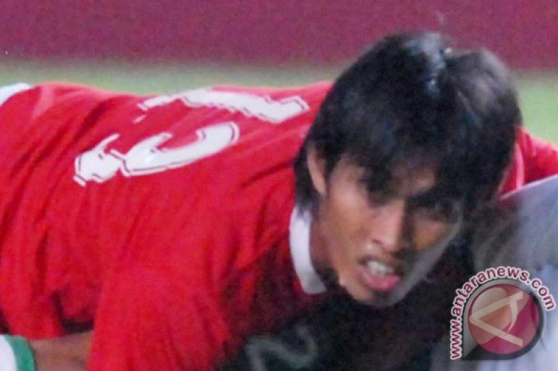 Legenda timnas Indonesia mendukung Simon McMenemy bertahan di Garuda
