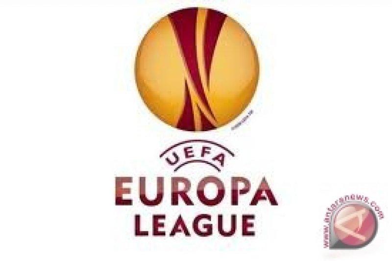 UEFA selidiki kejadian pelemparan asisten wasit