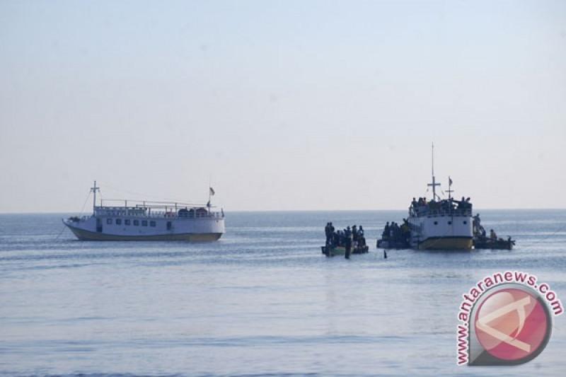 Ratusan pemudik tujuan Pulau Raas manfaatkan kapal cepat gratis