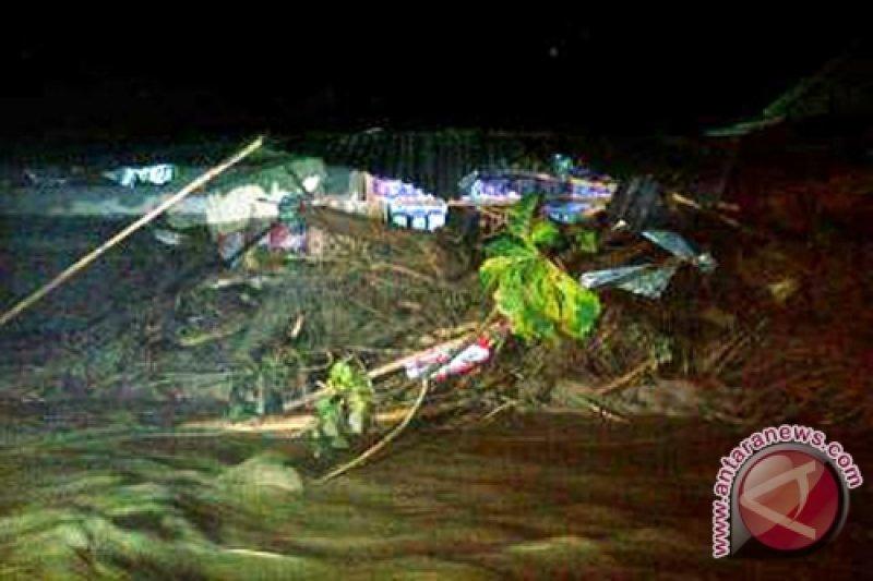 Korban Banjir Bandang Di Parigi Moutong Dimakamkan