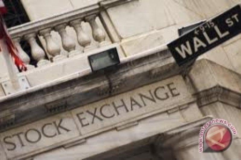Data ekonomi AS melemah, Wall Street merosot