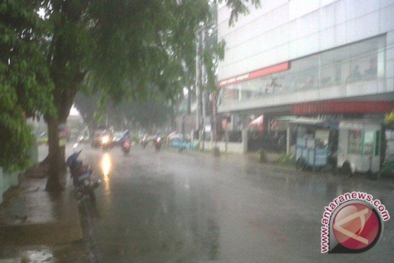 Kota Pontianak mulai diguyur hujan