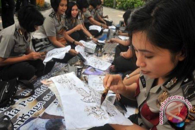 """Batik Sebagai """"Trend"""" Global"""