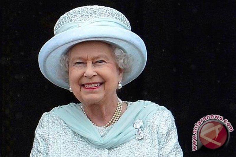 Ratu Elizabeth II sampaikan pesan Natal dalam 3D