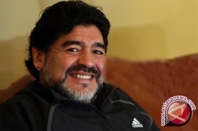 Maradona: Mourinho lebih baik dari Guardiola