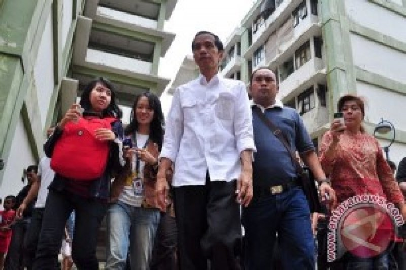 Blusukan Jokowi Jadi Lagu Hip Hop