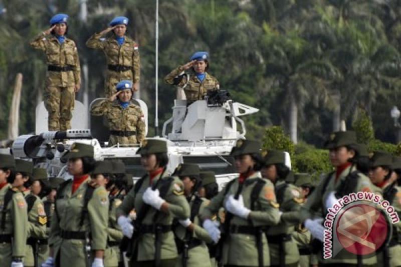Tiga personel Korps Wanita TNI AD dilatih jadi penerbang