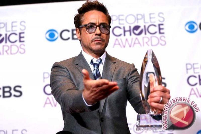 "Robert Downey Jr  Teken Kontrak Dua Film Lanjutan ""The Avengers"""