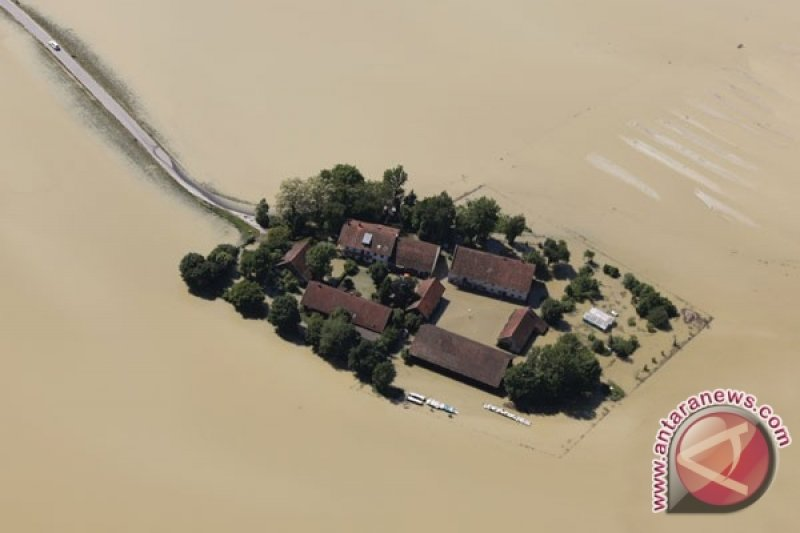 Korban jiwa akibat banjir di India jadi 95 orang