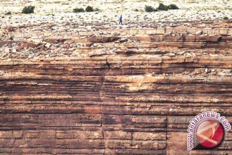 Wisatawan berusia 67 tahun tewas terperosok di Grand Canyon