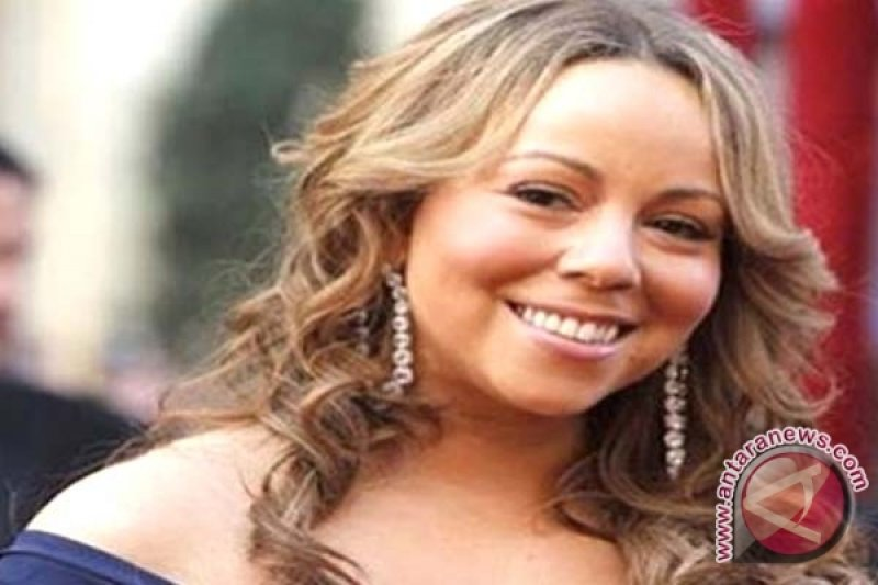 Mariah Carey Dilarikan Ke Rumah Sakit