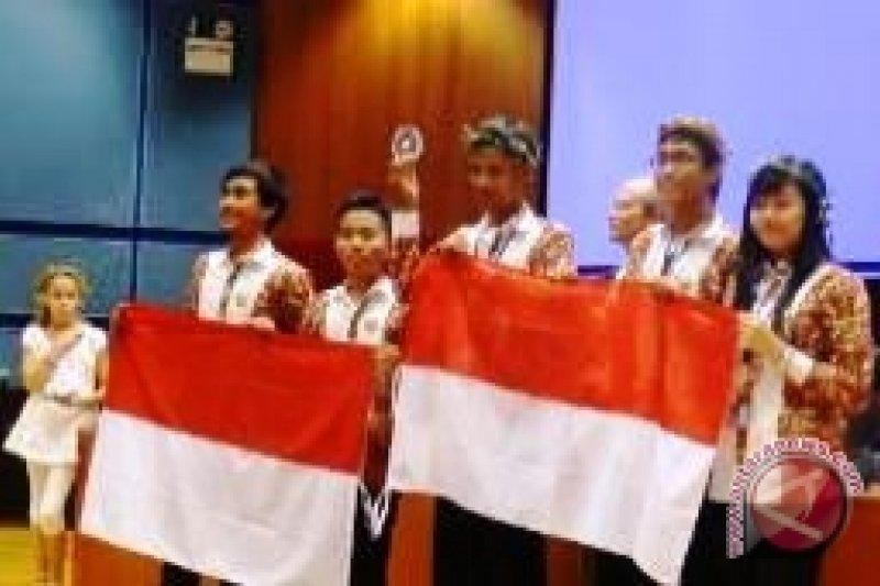 Pelajar tampilkan kesenian Aceh-Papua di London