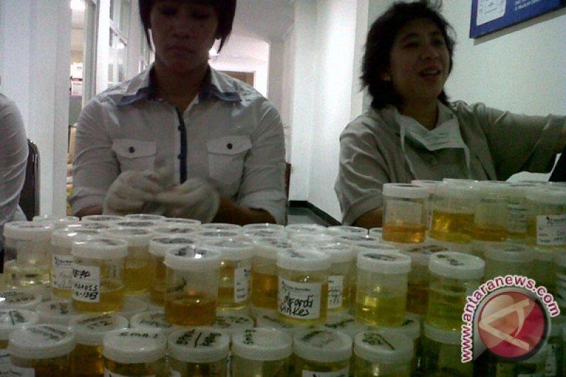 Badan Narkotika siap periksa urin Akil Mochtar