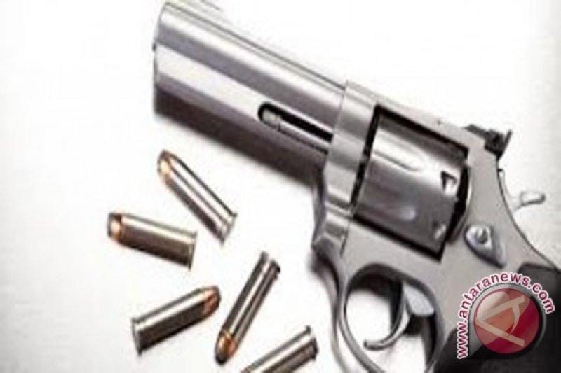 China selidiki paket FedEx berisi  pistol