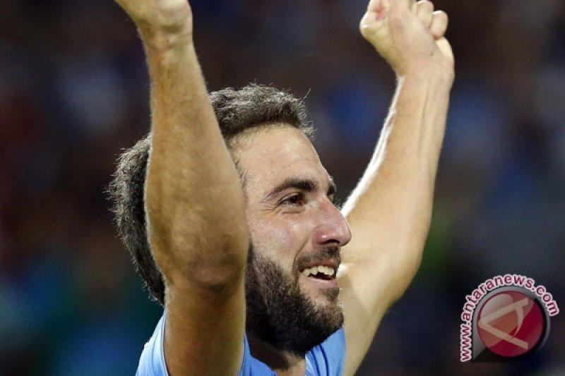 Higuain pimpin Juventus taklukkan Cagliari