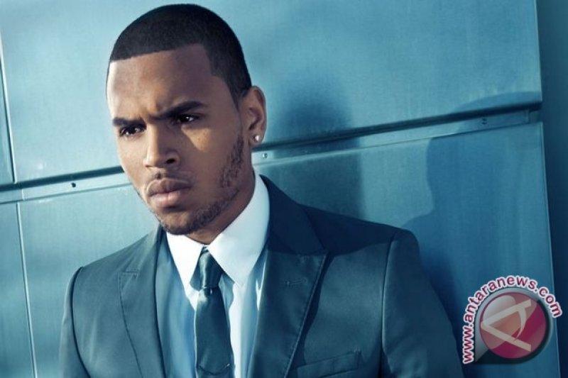 Setelah dilaporkan, Chris Brown ditahan di Prancis