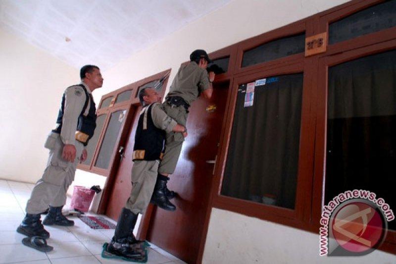 Satpol PP tutup hotel di jalur mudik Tasikmalaya